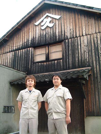 植松さん兄弟(右:勝久さん)